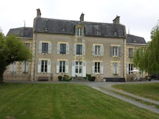Château Oliveau nearby circuit Magny-Cours - Mars-sur-Allier vacation rentals