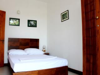 Holiday Apartment For Rent in Mount Lavinia - Mount Lavinia vacation rentals