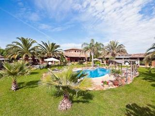 3 bedroom House with Internet Access in Pina - Pina vacation rentals