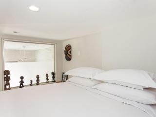 onefinestay - Cross Lane Place private home - New York City vacation rentals