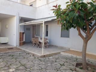 SALENTO VILLETTA PIANO TERRA A 80 MT DAL MARE - San Foca vacation rentals