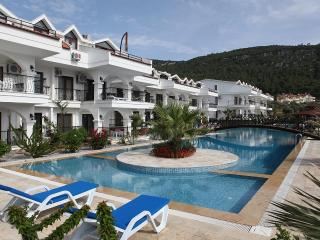 Green Park Village - Only 750 m to Beach & Center - Akbuk vacation rentals