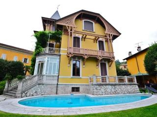 Marvellous villa with pool in the village center - Porto Valtravaglia vacation rentals