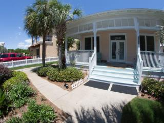 A Garden Cottage 5* DESTIN, 150yd to Beach SPECIAL - Miramar Beach vacation rentals