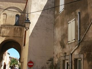 La Mignonne. Maison au cœur du village historique. - La Palme vacation rentals