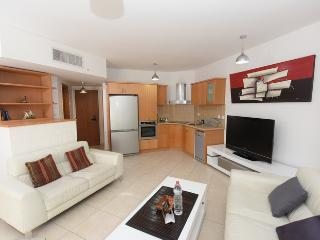 2 bedroom apartment with garden - Eilat vacation rentals