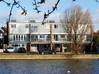 Lovely 4 bedroom Emsworth House with Internet Access - Emsworth vacation rentals