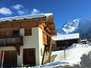4 bedroom House with Satellite Or Cable TV in Saint-Nicolas-de-Veroce - Saint-Nicolas-de-Veroce vacation rentals