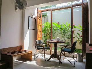 Nice Colombo Studio rental with Internet Access - Colombo vacation rentals