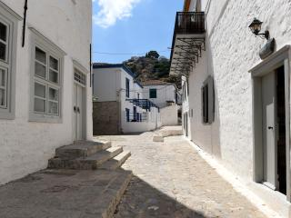Cozy Townhouse in Hydra Town with A/C, sleeps 6 - Hydra Town vacation rentals