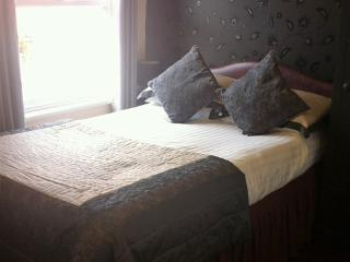 Stretton Guest House, Single-Ensuite with Shower - Stratford-upon-Avon vacation rentals