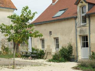 La Barillère, gîte 3 étoiles, 3 chambres, piscine - Le-Petit-Pressigny vacation rentals
