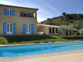 Cozy 3 bedroom Les Mees Bed and Breakfast with Internet Access - Les Mees vacation rentals