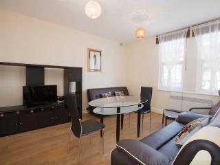 One bedroom flat in Harrow 42b - London vacation rentals