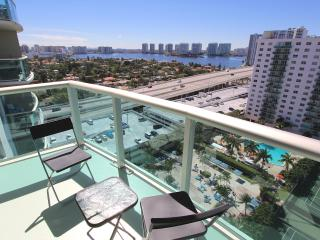 Modern 2 Bedroom Bay View OR1610 - Sunny Isles Beach vacation rentals