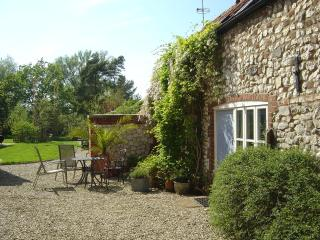 Pomfrets Cottage in the hamlet of Burnham Overy - Burnham Market vacation rentals