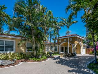 40 steps from the Beach! Tropical Retreat, 4BR, - Fort Lauderdale vacation rentals