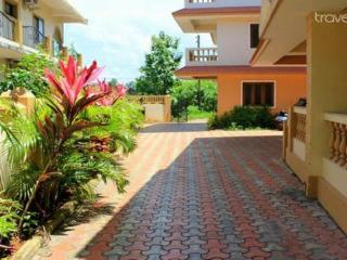 Amazing 3bhk G+1 Row villa Nerul - Candolim vacation rentals