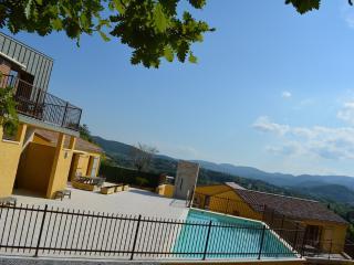 Maisons d'hôtes LE BOUZET - Alpe d'Huez & Galibier - Salavas vacation rentals