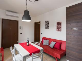 Cozy 2 bedroom Apartment in Torri del Benaco - Torri del Benaco vacation rentals