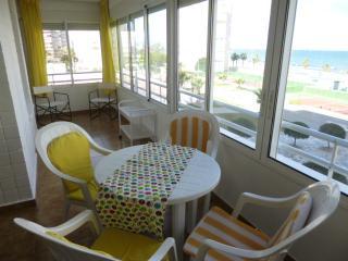 Beachfront Urbanova Beach. Large apartment. Pool - Alicante vacation rentals
