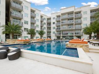 LUXURY 2BR CONDO @ RICCHI, San Antonio TX! - San Antonio vacation rentals