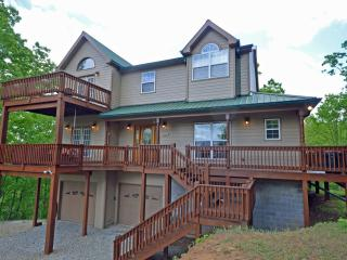 Perfect House in Fontana Dam with Fireplace, sleeps 12 - Fontana Dam vacation rentals