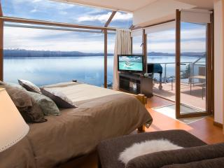 Ultra Luxury 3 Bedroom / Balcony, BBQ &  Jacuzzi! - San Carlos de Bariloche vacation rentals