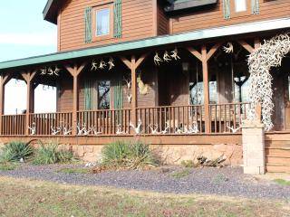 Samson's Whitetail Mountain Lodge or Rooms - Vienna vacation rentals