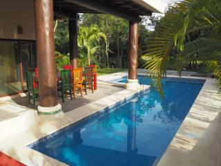 Spacious 4 bedroom House in Puerto Aventuras - Puerto Aventuras vacation rentals