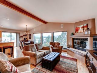 Peaceful 4BR Prescott Mountain Home w/Wifi, 2 Full Kitchens & 2 Decks - Walking Distance to Downtown Prescott, Arizona! - Prescott vacation rentals