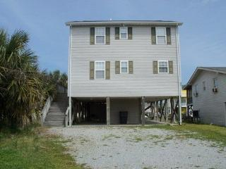 Cozy 3 bedroom House in Holden Beach with Deck - Holden Beach vacation rentals