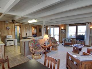 Cozy House with Deck and A/C - Holden Beach vacation rentals