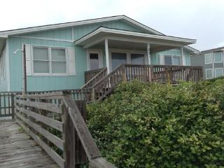 4 bedroom House with A/C in Holden Beach - Holden Beach vacation rentals