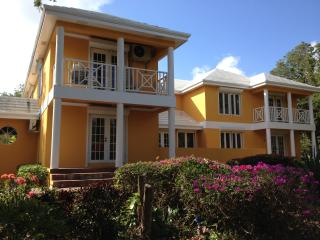 Paradise: Luxurious Gated Spacious  Canal View - Nassau vacation rentals