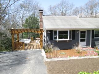 2 BR apartment 1.2 miles from Monument Beach - Monument Beach vacation rentals