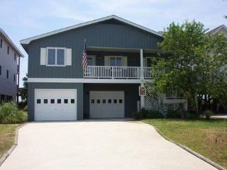 Perfect 4 bedroom House in Holden Beach with Deck - Holden Beach vacation rentals
