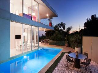 Lovely Villa with Internet Access and Television - West Hollywood vacation rentals