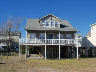 Comfortable 3 bedroom Holden Beach House with A/C - Holden Beach vacation rentals