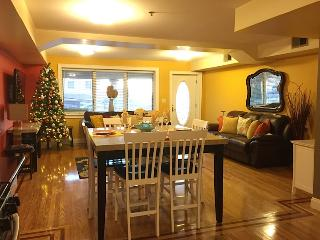 Elegant Apt.  Approx. 20 minutes from Times Square - North Bergen vacation rentals