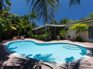 Zen Garden Oasis Salt/Heated Pool and Florida Room - Fort Lauderdale vacation rentals