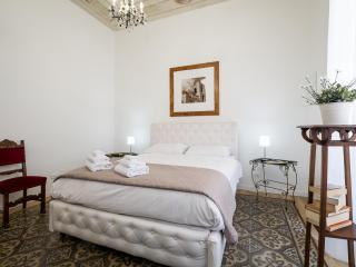 Aragona Rooms Casa Vacanze / B&B Palermo - Palermo vacation rentals