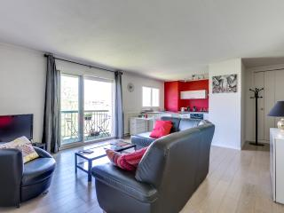 CATALANS Terrace Parking Citycenter - Toulouse vacation rentals