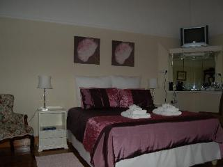 Comfortable House with Linens Provided and Ceiling Fans - Ladismith vacation rentals
