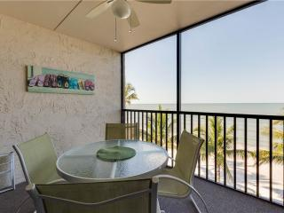 Seaside 303, 2 Bedrooms, Gulf Front, Elevator, Heated Pool, Sleeps 6 - Fort Myers Beach vacation rentals
