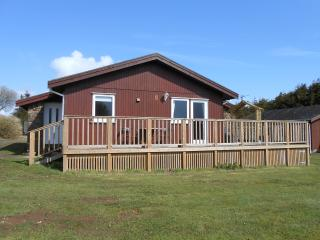 2 bedroom Lodge with Parking in Woolsery - Woolsery vacation rentals