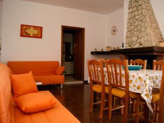 Baia Verde 6 posti attico con ampio spazio esterno - Baia Verde vacation rentals