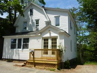 Beautiful 4 bedroom house, 1/4 mile from beach - Old Orchard Beach vacation rentals