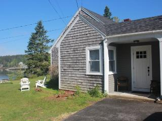 Perfect 3 bedroom House in Stonington - Stonington vacation rentals
