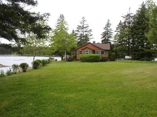 Gorgeous 2 bedroom House in Deer Isle - Deer Isle vacation rentals